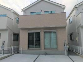 スポーツクラブ近くの収納充実で和室付きの新築住宅