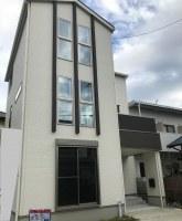 イトーヨーカドー近く!ファミリーバルコニー付き3階建て新築住宅